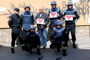 Together against mines 4